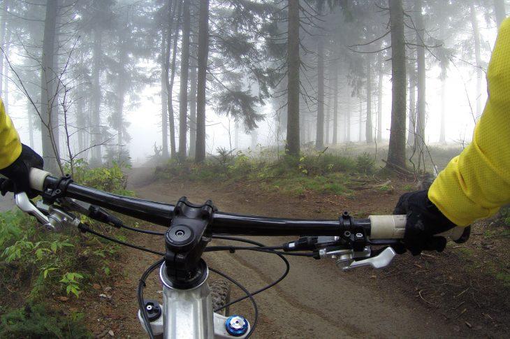 alexandra dech hI1DsDRJWvY unsplash 730x485 - Mountainbike om vinteren?